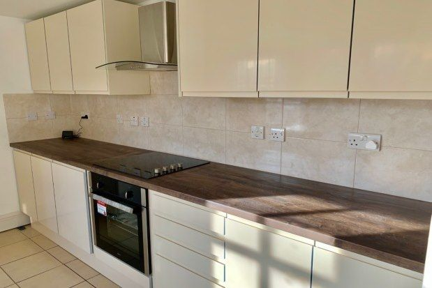 4 bed link-detached house to rent in Sandon Road, Newton, Chester CH2