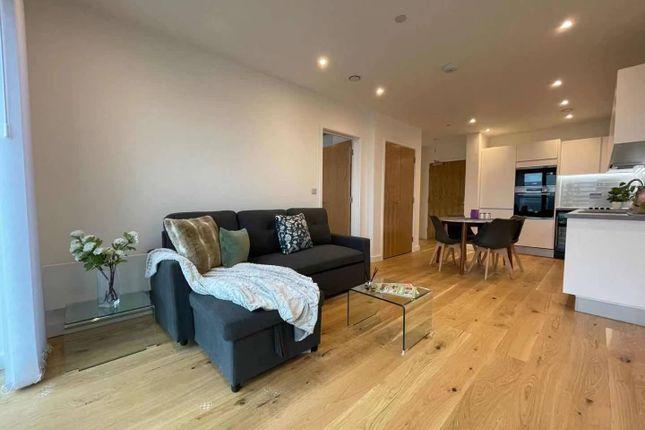 1 bed flat to rent in Axium, 40 Windmill Street B1