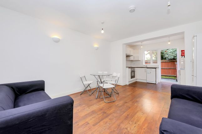 Thumbnail Town house to rent in Ferry Street, Isle Of Dogs E14, Canary Whar, Isle Of Dogs,