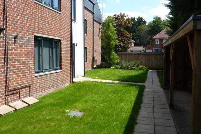 Thumbnail Flat to rent in Mousehole Lane, Southampton