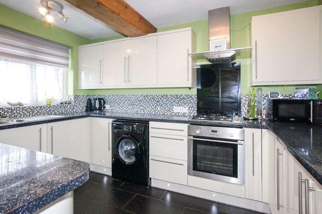 Kitchen of Alfriston Close, Luton LU2
