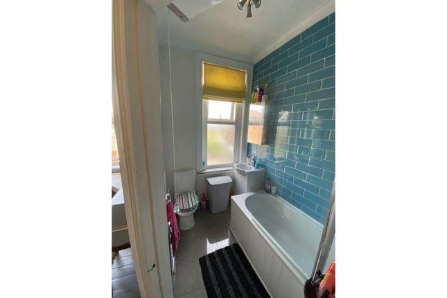 En-Suite One of Hughenden Road, Hastings TN34