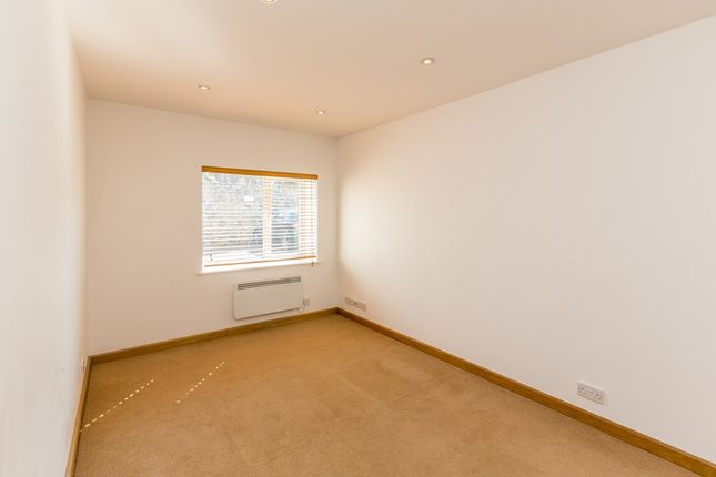 2 bedroom flat to rent in Vauvert, St. Peter Port, Guernsey