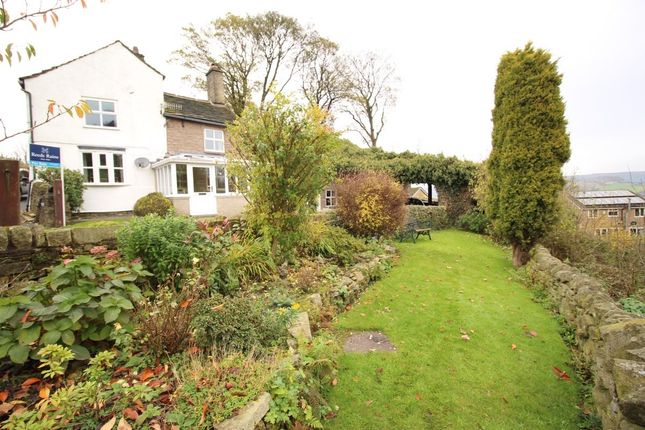 Thumbnail Detached house for sale in Simmondley, Glossop
