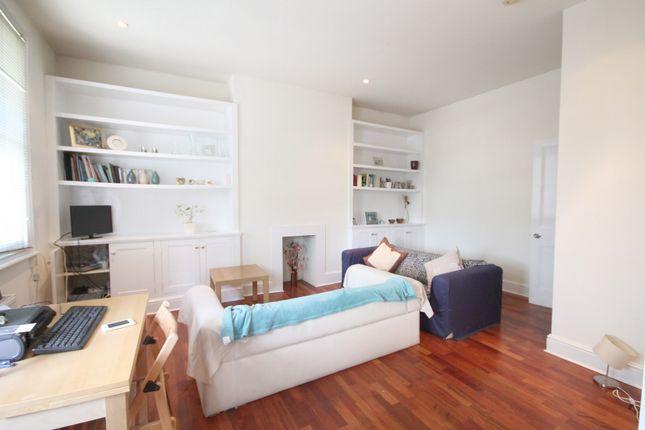 2 bed flat to rent in Hillmarton Road, Islington N7