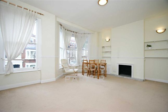 Flat to rent in Ronalds Road, Highbury, London