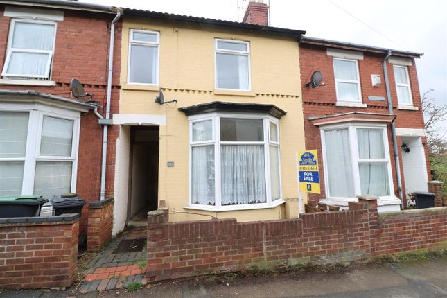 Thumbnail Terraced house for sale in Park Road, Rushden
