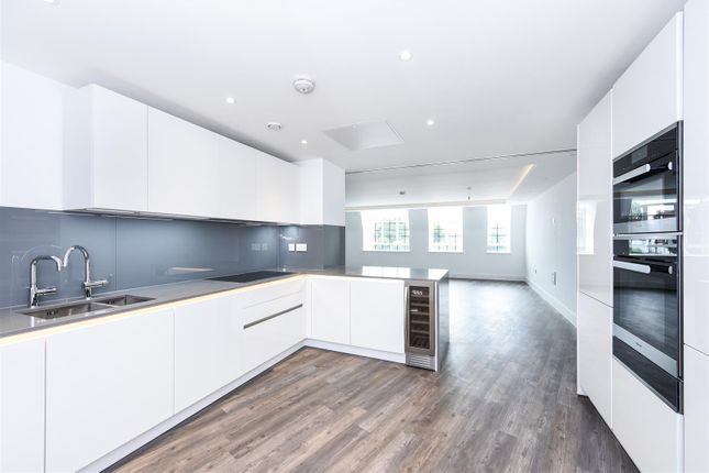 Thumbnail Flat to rent in Hampstead Reach, Chandos Way