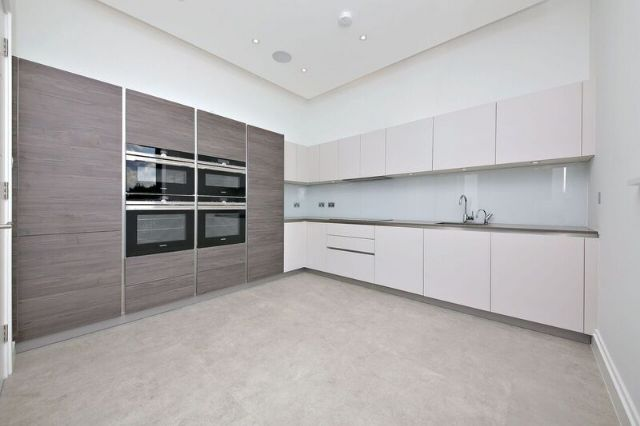 2 bed flat to rent in Woodside Avenue, Woodside Park, London