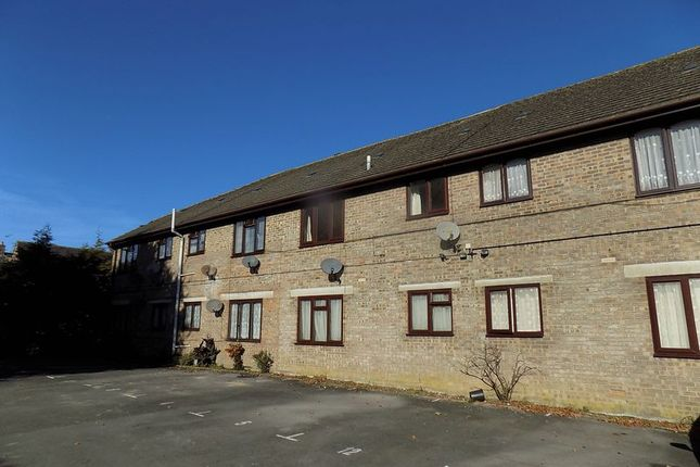 1 bed flat to rent in Victoria Court, Cambridge Road, Dorchester DT1