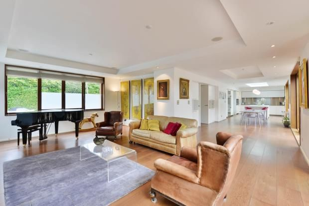 4 bed detached house for sale in View Road, Kenwood, London