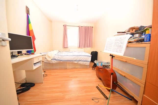 Thumbnail Flat to rent in Cooks Road, Kennington