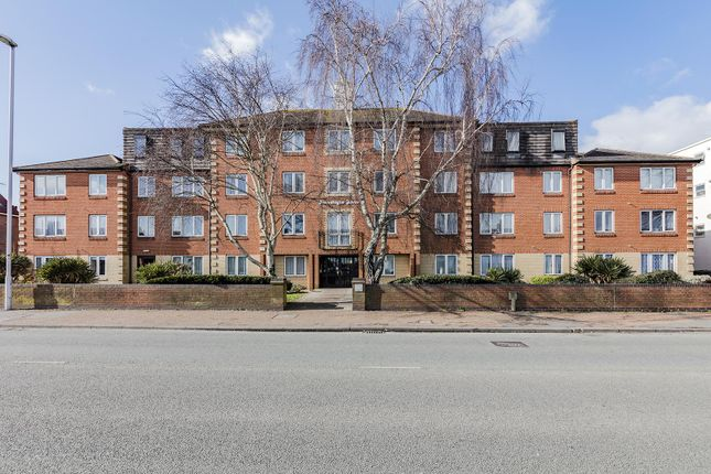 Thumbnail Flat to rent in Homesteyne House, Broadwater Road, Worthing