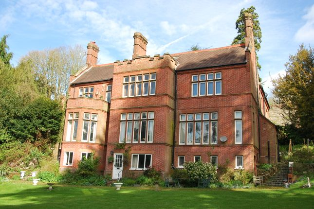 3 bed flat to rent in Cedar Court, Castle Hill, Farnham GU9