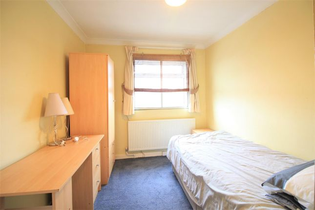 Bedroom of Memorial Close, Heston TW5