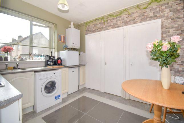 Kitchen 1 of Portal Road, Grangemouth FK3