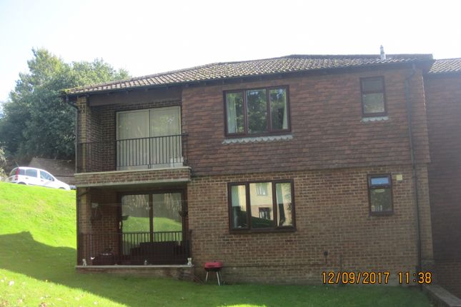 Thumbnail Flat to rent in Hilders Farm Close, Crowborough