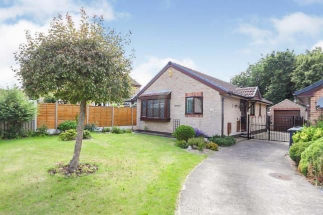 2 bed bungalow for sale in Elcroft Gardens, Sothall, Sheffield, South Yorkshire S20