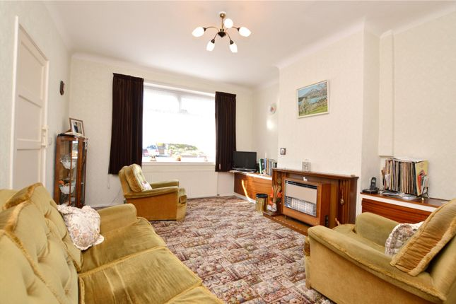 Picture No. 13 of Crawshaw Rise, Pudsey, West Yorkshire LS28