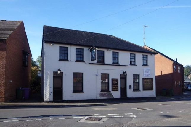 Thumbnail Retail premises for sale in 98-100 Flaxfield Road, Basingstoke