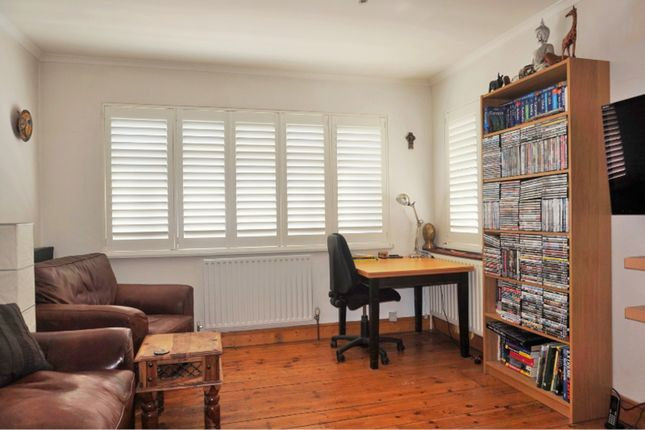 Thumbnail Flat for sale in Stafford Road, Croydon