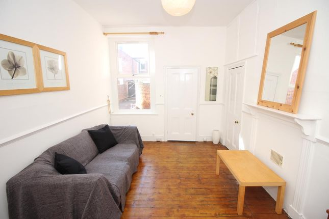 2 bed flat to rent in Sandringham Road, South Gosforth, Newcastle Upon Tyne NE3