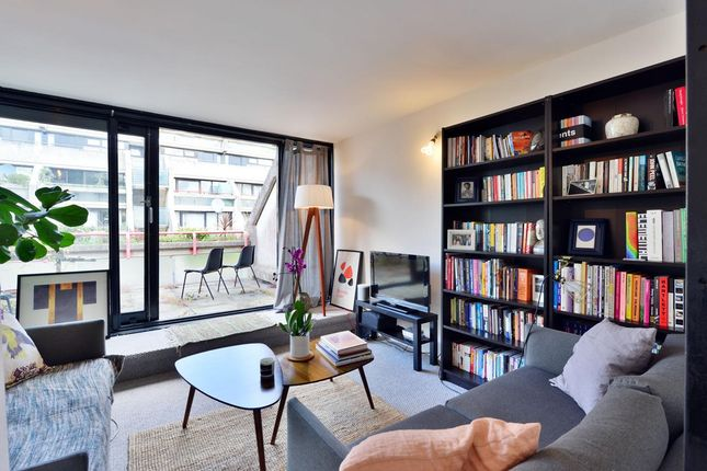 Thumbnail Flat for sale in Rowley Way, London