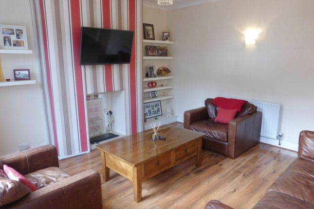 Thumbnail Property to rent in Paradise Place, Horsforth, Leeds