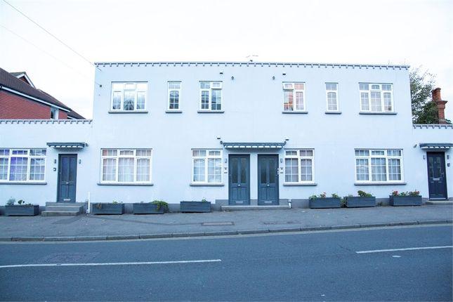 2 bed flat for sale in High Street, Edenbridge, Kent TN8