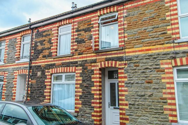4 bed property to rent in Meadow Street, Treforest, Pontypridd CF37