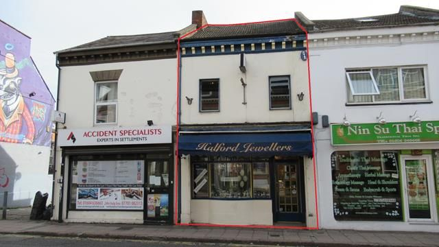 Thumbnail Retail premises for sale in 33 York Road, Northampton, Northamptonshire