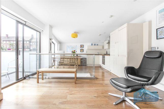 2 bed detached house for sale in Osborne Road, Stroud Green, London N4