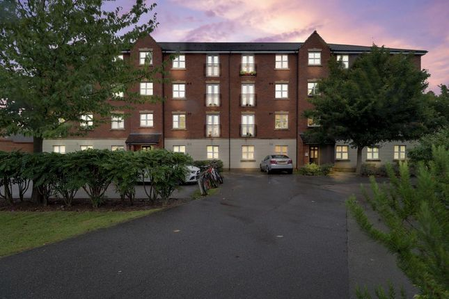 Thumbnail Flat for sale in Fount Court, Market Harborough