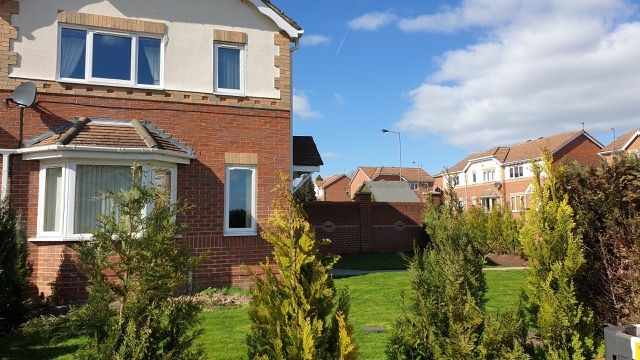 Thumbnail Semi-detached house to rent in Stoney Royd, Barnsley
