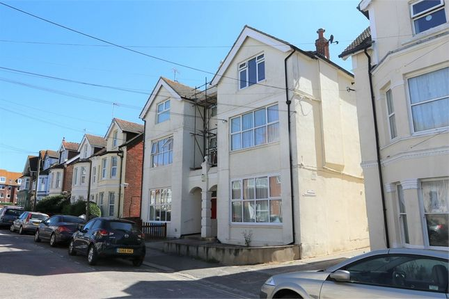 Thumbnail Flat to rent in Wilton Road, Bexhill-On-Sea, East Sussex