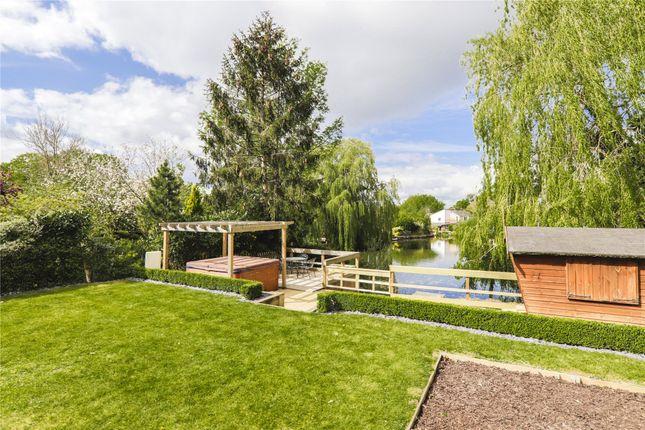 Thumbnail Detached house for sale in Lakeside, Bracknell, Berkshire