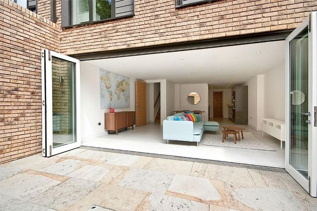 Thumbnail Flat to rent in Sidmouth Street, London