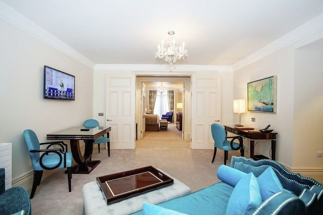 Thumbnail Flat to rent in Sloane Gardens, Belgravia