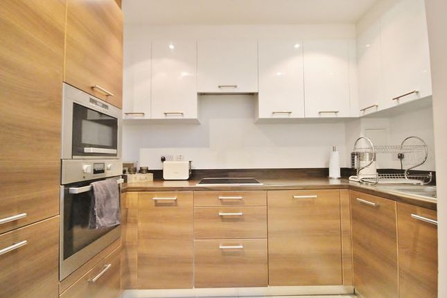 Thumbnail Maisonette for sale in Forge Square, London