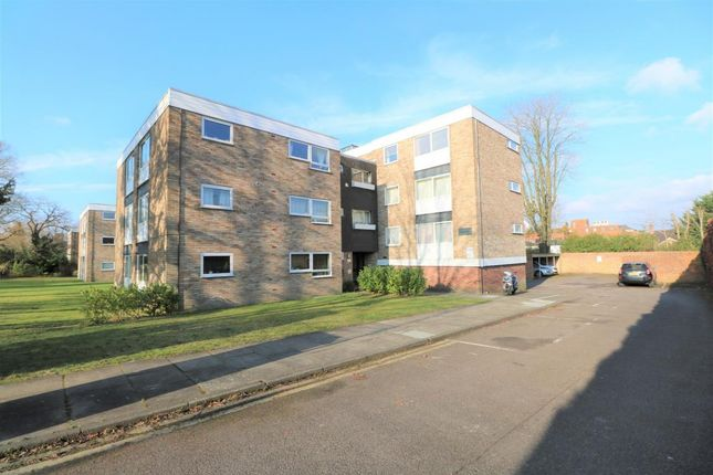Thumbnail Flat for sale in 40 Upper Gordon Road, Camberley