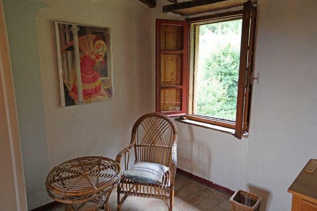 Bedroom Detail of Fondi Di Sopra, Lisciano Niccone, Umbria