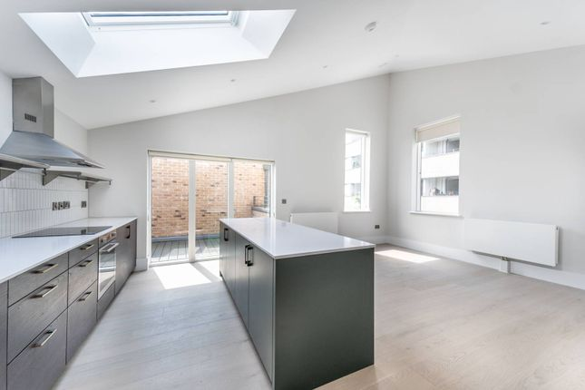 Thumbnail Flat to rent in Charter Place, Hounslow