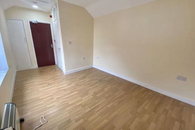Thumbnail Flat to rent in Rawden Place, Canton, Cardiff