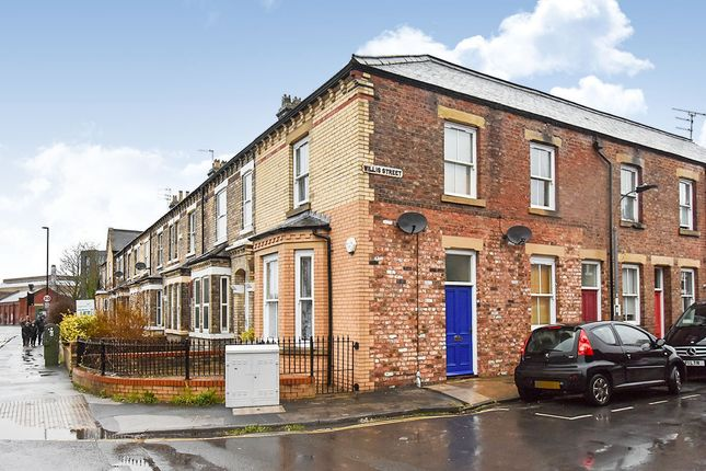 Thumbnail Flat for sale in Willis Street, York, North Yorkshire