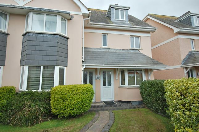 Thumbnail Flat to rent in Serpentine Gardens, Tenby