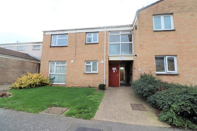 Thumbnail Flat to rent in Sandown Road, Slough