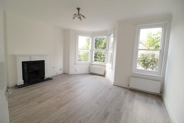 4 bed flat to rent in Stanmore Road, London N15