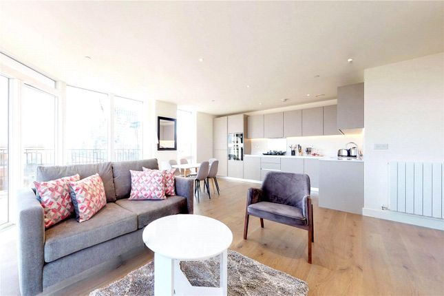 Thumbnail Flat to rent in Amphion House, London