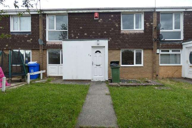 Thumbnail Flat to rent in Holystone Close, Newsham Farm, Blyth, Northumberland