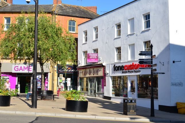 Office to let in 11-12 High Street, Yeovil